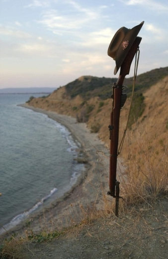 Slouch hat and 303 - Gallipoli beachsml